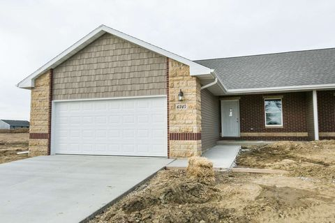 6345 Pawnee Ln, Dubuque, IA 52002