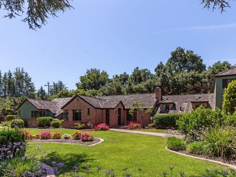 Photo of 15581 Glen Una Dr, Los Gatos, CA 95030
