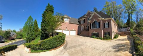 Photo of 8190 Royal Troon Dr, Duluth, GA 30097