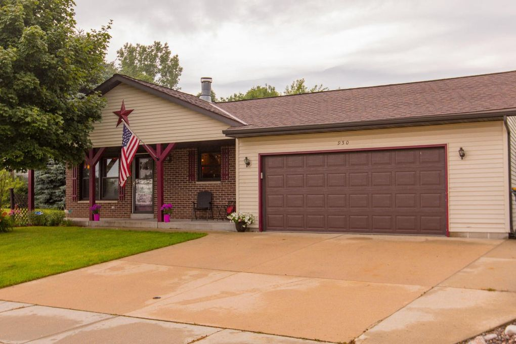 950 Shepherds Dr West Bend Wi 53090