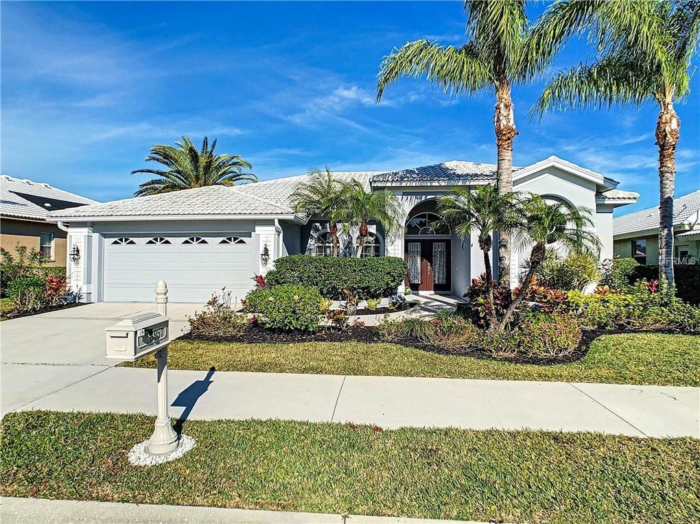 8957 Huntington Pointe Dr Sarasota, FL 34238