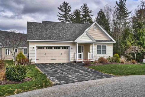 Photo of 39 Forest Ln, Brentwood, NH 03833