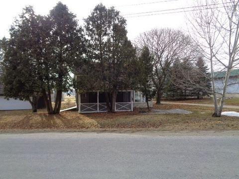N3266 Oak Center Rd, Oakfield, WI 53065
