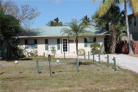 669 Palm Ave, Goodland, FL 34140