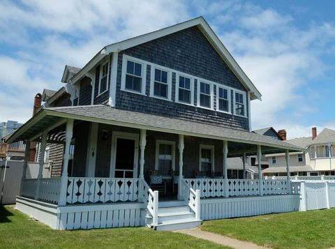 43 Ocean Ave, Oak Bluffs, MA 02557