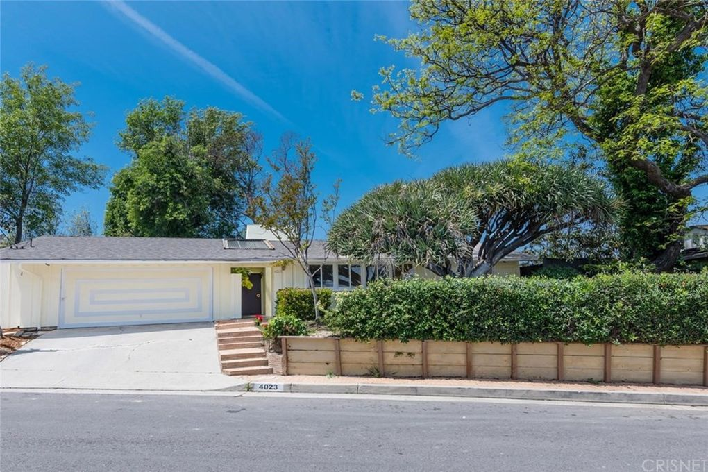4023 Cody Rd, Sherman Oaks, CA 91403