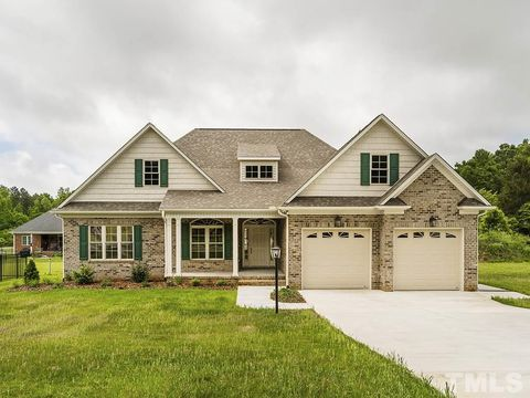 Photo of 1201 Dogwood Dr, Gibsonville, NC 27249