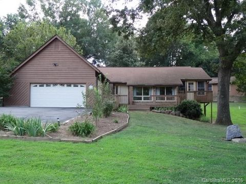 6555 Fingerlake Dr, Concord, NC 28027