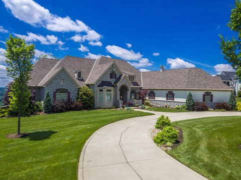 Photo of 7935 Ayers Rd, Anderson Township, OH 45255