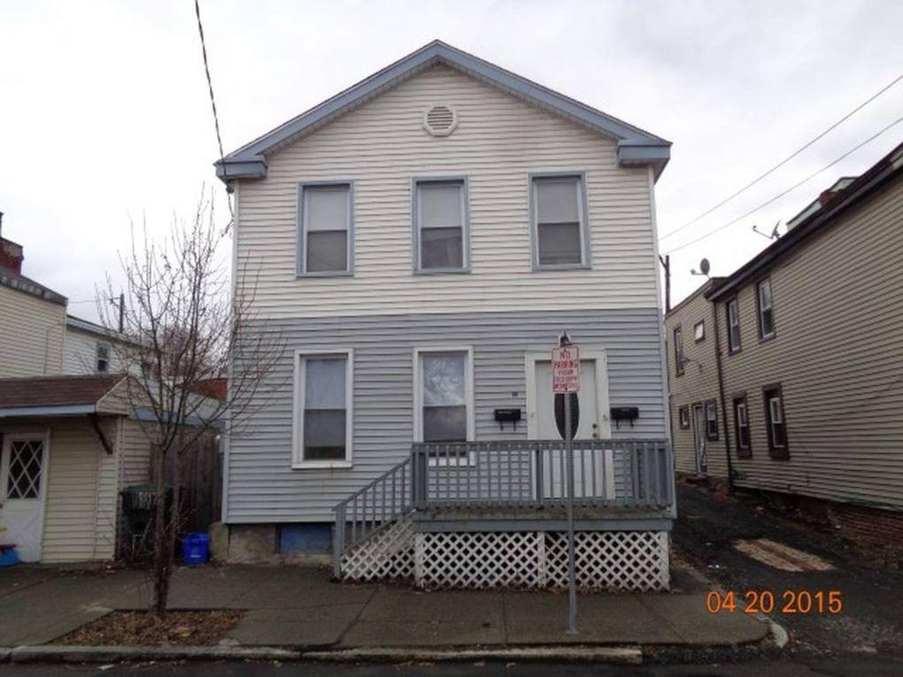 29 Main St, Cohoes, NY 12047