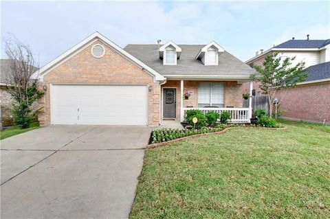 Photo of 6908 Coldwater Canyon Rd, Fort Worth, TX 76132