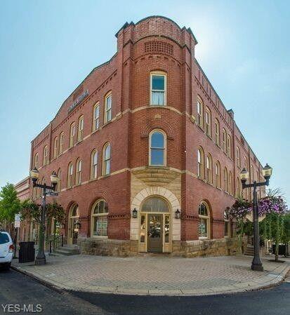 Photo of 102 E Main St, Saint Clairsville, OH 43950