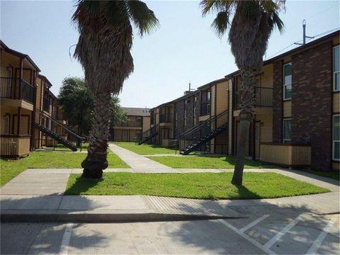 Photo of 7200 Heards Ln, Galveston, TX 77551