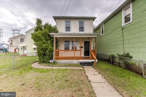 Photo of 204 Avondale Rd, Dundalk, MD 21222