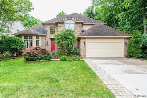 Photo of 41801 Echo Forest Dr, Canton Township, MI 48188