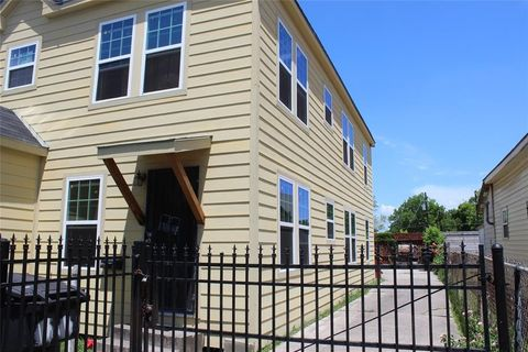 Page 5 houston tx multi family homes for sale real for Multi family homes for sale houston