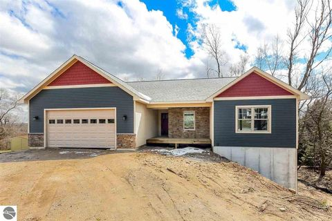 Photo of 4251 Hearthside Dr, Traverse City, MI 49684