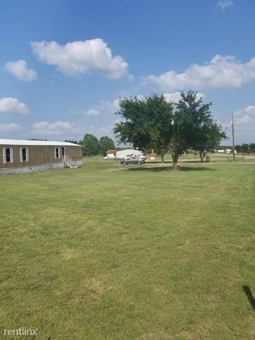 Photo of 112 Country Meadow Ct, Springtown, TX 76082