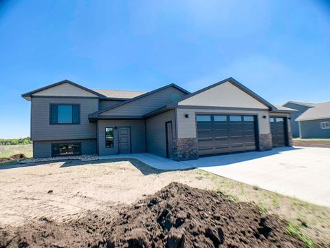 Photo of 1922 23rd St S, Brookings, SD 57006