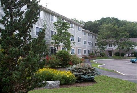 Photo of 24 Union Dr, North Kingstown, RI 02852