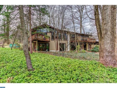307 Jug Hollow Rd, Valley Forge, PA 19482