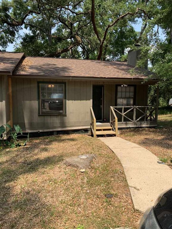 1330 Burgess Dr, Tallahassee, FL 32304