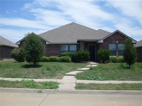Photo of 2318 Abby Ln, Lancaster, TX 75134