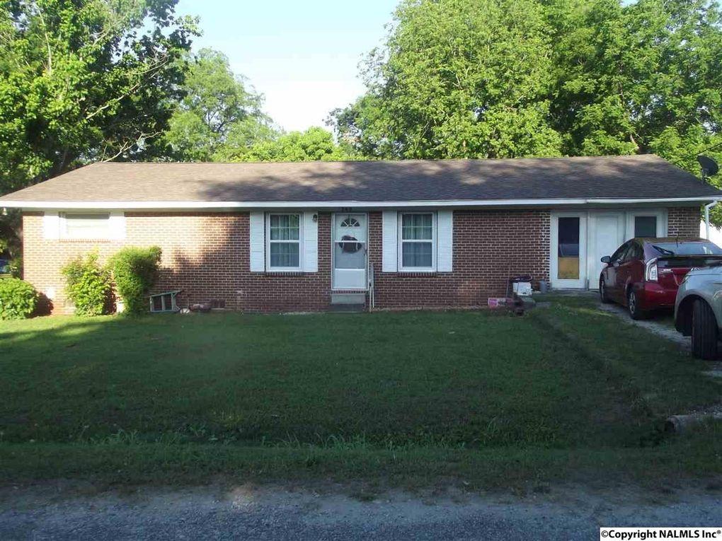 260 Rainzi St, Hillsboro, AL 35643