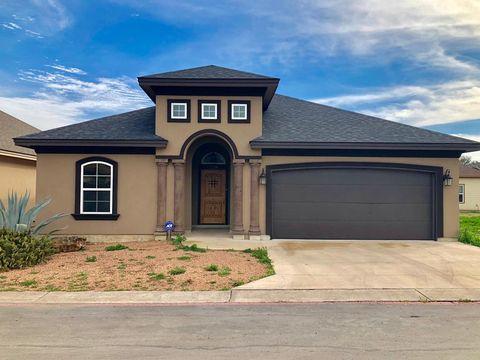 Photo of 128 N Sutton Pl, Uvalde, TX 78801