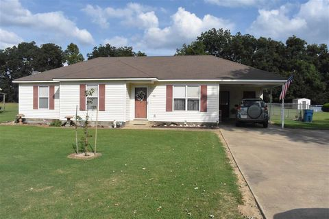 Photo of 180 Andrea Dr, Dyersburg, TN 38024