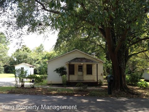 Photo of 205 Moore St, Oxford, AL 36203