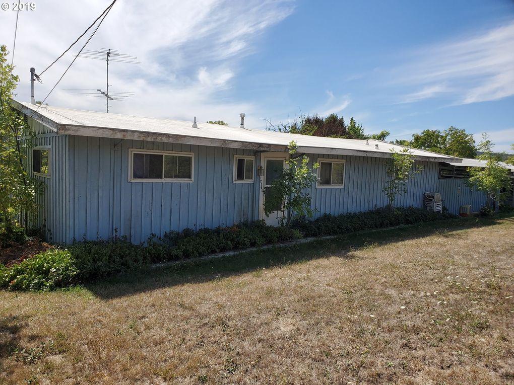 2141 Freeman Ave Roseburg, OR 97471