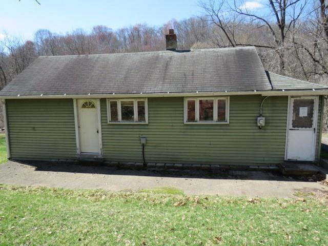 303 McIntyre Rd Gibsonia, PA 15044