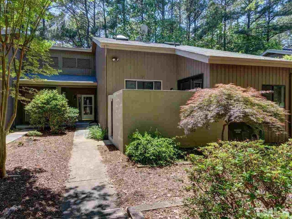 3 Paddington Pl Chapel Hill, NC 27517