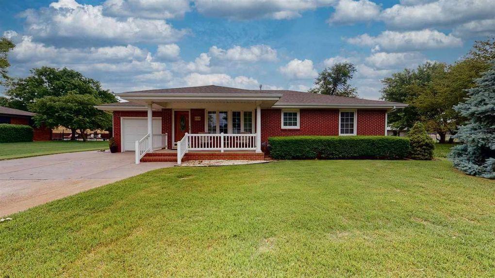 253 W Mary Ave Garden Plain, KS 67050