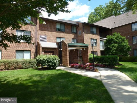 Photo of 15311 Beaverbrook Ct Unit 902, Silver Spring, MD 20906
