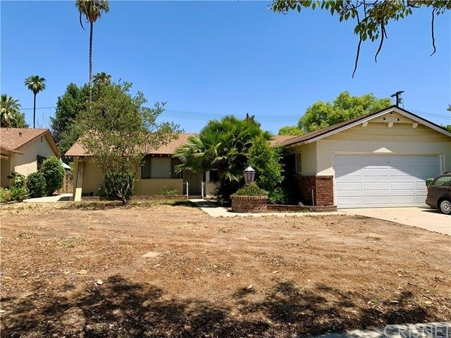 15919 Lemarsh St North Hills, CA 91343