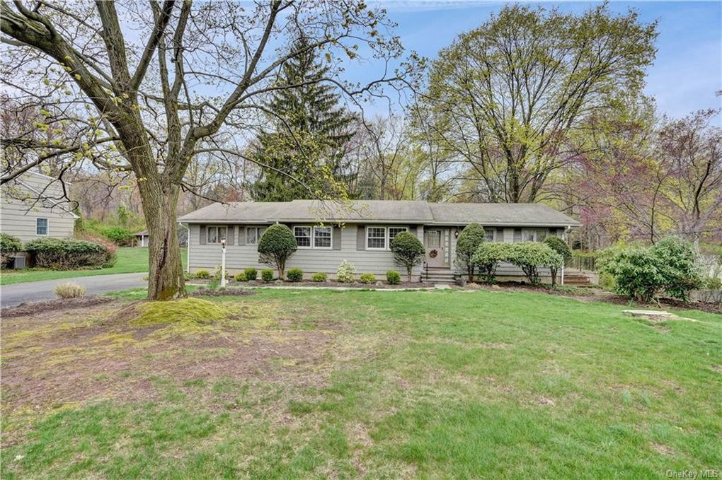 61 S Airmont Rd Airmont, NY 10901