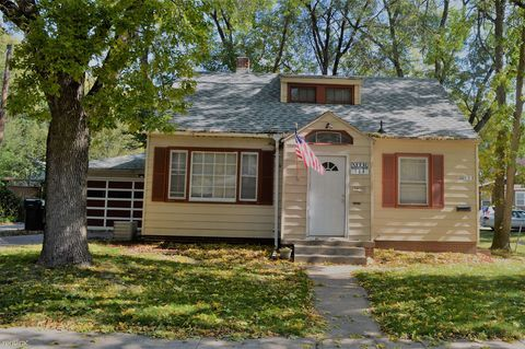 Photo of 108 N Russell Ave, Ames, IA 50010