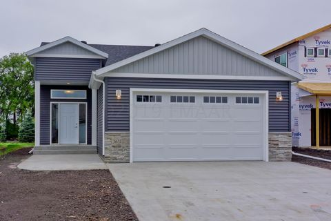 Photo of 7215 Madelyn Ln S, Fargo, ND 58104