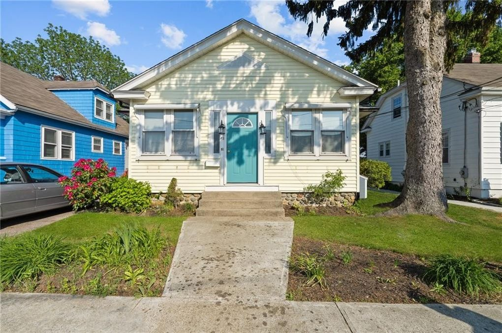 48 Upland Ave East Greenwich, RI 02818