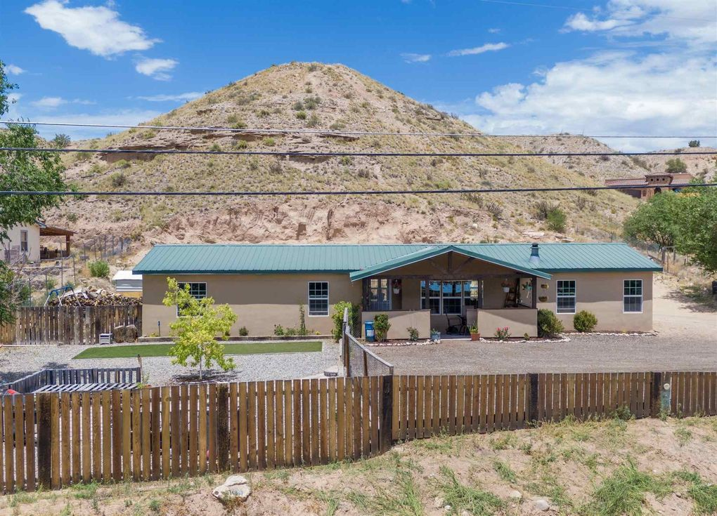 282 NM 76 Cuartelez, NM 87567