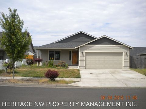 Photo of 3428 Bald Eagle Dr, Lebanon, OR 97355