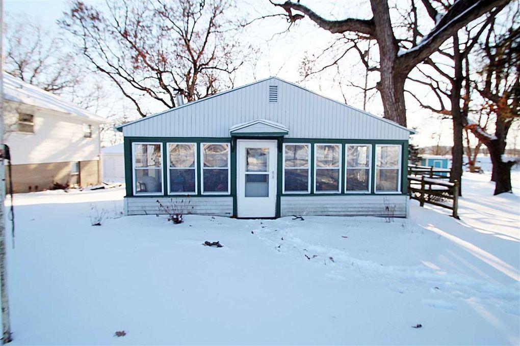 336 Sandy Beach Rd Lake Mills, WI 53551