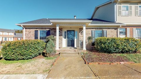 Photo of 701 Brentwood Pt, Brentwood, TN 37027