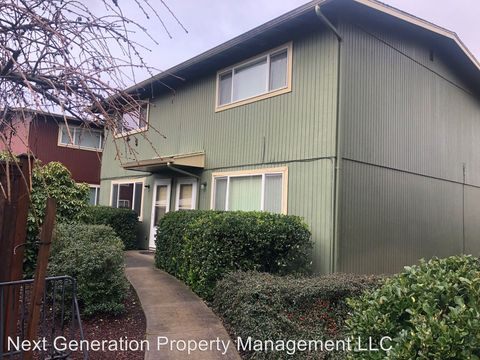Photo of 1680 Hayes St Apt A, Eugene, OR 97402