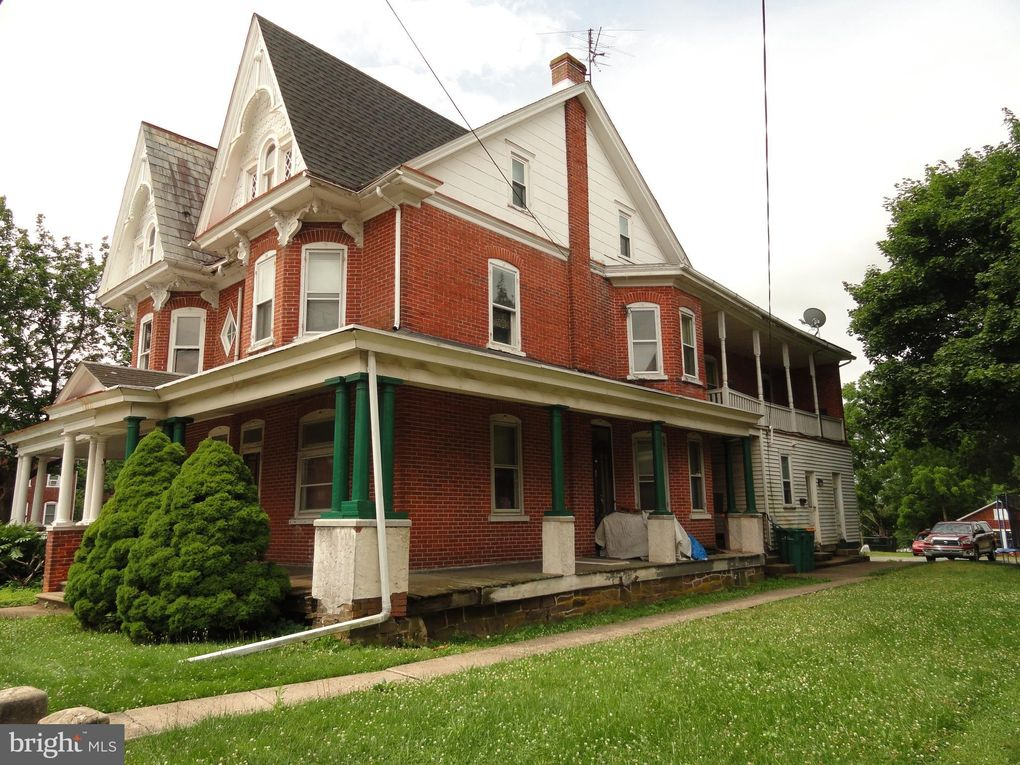 409 Main St Red Hill, PA 18076
