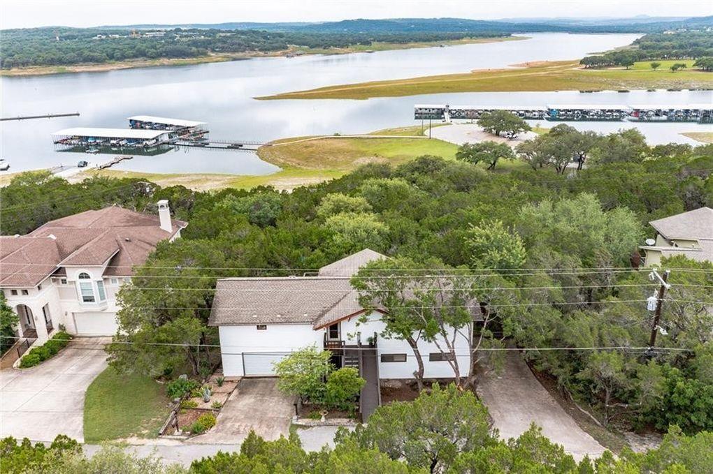 6300 Lakeshore Dr Lago Vista, TX 78645