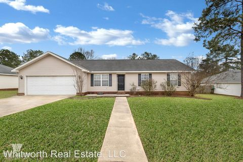 Photo of 15511 Brookstone Dr, Brookwood, AL 35444