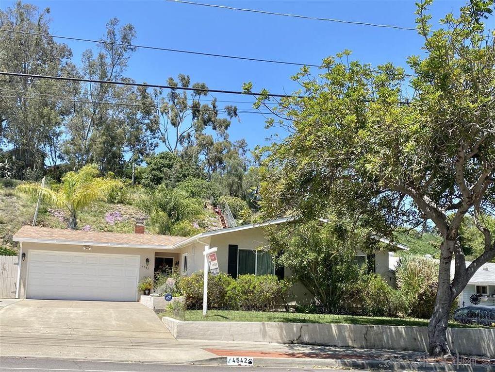 4542 Chateau Dr San Diego, CA 92117